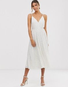 Little White dresses for brides in lace, sparkle, and sleek silhouettes. As couples turn to more intimate gatherings or even to elopements, short wedding dresses are gaining popularity. We've put together a shoppable guide of the best short wedding dresses you can buy online! #gws #greenweddingshoes #littlewhitedresses #shortweddingdresses Asos Wedding Dress, Tea Length Wedding Dress, Wedding Dress Trends, Wedding Dress Sizes, White Wedding Dresses, Reception Dresses, Wedding Reception, Wedding Shower Dresses, Short Dress Wedding