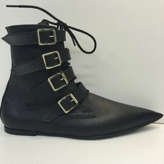 Flatter and extremely pointed,lace and buckle fastening..original 80's underground fashion made from high grade leather and available in sizes 4-13uk,37-47EU an