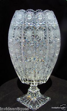 I'd give my right arm for this. Crystal Glassware, Antique Glassware, Crystal Vase, Waterford Crystal, Cut Glass, Glass Art, Clear Glass, Vase Cristal, Glass Ceramic