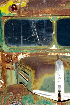 rusted school bus