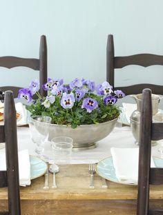 pretty. Jenny Steffens Hobick: Planted Pansies Centerpiece | Spring Centerpiece | Mother's Day Centerpiece