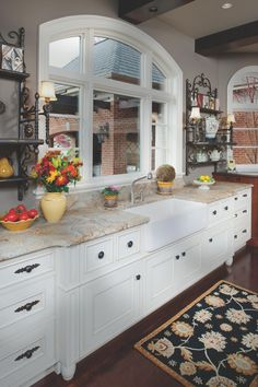 A Go To Choice For Designers, White Or Gray Cabinets Can Instantly Revive A  Dull Or Outdated Kitchen.