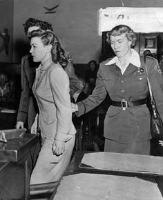 Photos 6 of Barbara Graham, an American woman executed in the gas chamber in California on June 1955 for the murder of Mabel Monahan on March American Women, American History, Dorothy Stratton, Charles Manson, Funny Videos For Kids, Mystery Of History, Murder Mysteries, Juni, Serial Killers