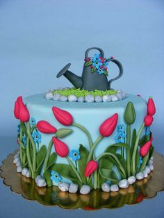 Tulip cake Another spring cake to think about! I am loving the detailed attention that Bubolin Gorgeous Cakes, Pretty Cakes, Cute Cakes, Amazing Cakes, Bolo Floral, Floral Cake, Baby Cakes, Fondant Cakes, Cupcake Cakes