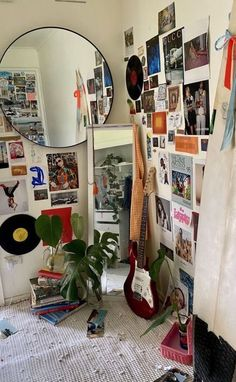 Cute Room Ideas, Cute Room Decor, Indie Room Decor, Indie Bedroom, Wall Decor, Bedroom Decor For Couples, Room Ideas Bedroom, Bedroom Inspo, Chill Room