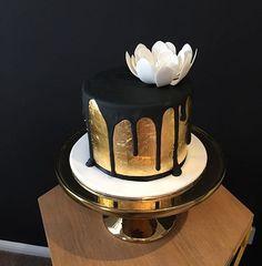 black birthday cake best 25 black and gold cake ideas on pinterest ...