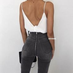 High waist denim // cami tank // sexy outfit // date night outfit // zipper jeans // high waist jeans // grey jeans // grey denim // white cami // white tank // date night look Mode Outfits, Casual Outfits, Fashion Outfits, Clubbing Outfits With Jeans, Textiles Y Moda, Fashion Mode, Fashion Trends, Girl Fashion, Fashion Tips