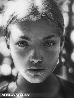 Desenho de Retratos por Olga Larionova Mais