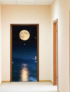 Murales para puertas modelo MOON. Decoracion Beltran, tu tienda online de murales. www.decoracionbeltran.com
