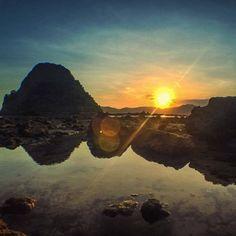 sunset,beach-Enjoy a beautiful sunset in Red Island beach, Banyuwangi, East Java, Indonesia Photo by: Prasetyo IG: tradiprasetyo beautifulindones Beautiful Sunset, Most Beautiful, Island Beach, Sunset Beach, Beach Holiday, Vacation, Red, Outdoor, Outdoors