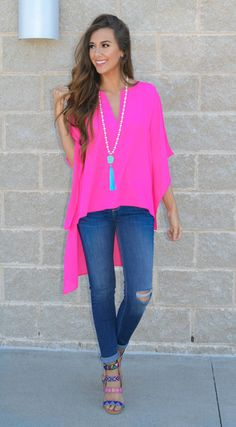 Wear this adorable chiffon kimono top as a pop of color (fuchsia) to work or dress it up for a night out! Dress Up Jeans, Blouse Dress, Dress Shirts, Jean Outfits, Cute Outfits, Fashion Outfits, Fashion Trends, Chiffon Kimono, Kimono Top