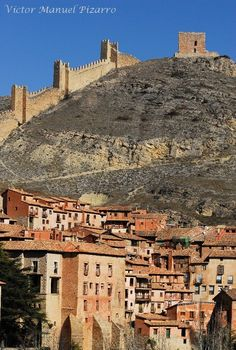 Albarracín Castle, Teruel, Aragon, Spain  (by Victor Manuel Pizarro)
