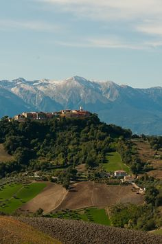 Tuscany, Abruzzo, Marche in detail. Frequent double overnights allow in-depth exploration, kicking back and relaxing, or day trips on fantastic, twisty roads.
