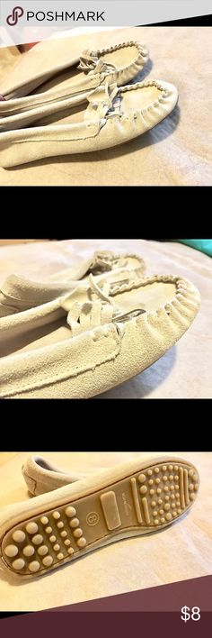 Mossimo soft Leather moccasins Mossimo brand. Size 8. Worn. Twice before!! These look almost new. No stains or flaws of any kind. So cute :):) Non slip grip bottom. Bundle and save !!!! Xoxo Mossimo Supply Co Shoes