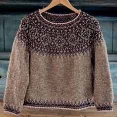 Fair Isle Knitting Patterns, Sweater Knitting Patterns, Knitting Designs, Knit Patterns, Hand Knitting, Icelandic Sweaters, Wool Sweaters, Poncho Pullover, Norwegian Knitting