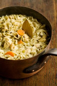 Paula Deen The Ladys Chicken Noodle Soup. Absolutely the best soup ever! I couldnt believe how much I liked this soup, considering chicken noodle is rather plain in my mind. yummy-looking-food Think Food, I Love Food, Food For Thought, Good Food, Yummy Food, Healthy Food, Healthy Recipes, Delicious Recipes, Vegetarian Recipes