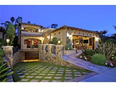 Custom built, state-of-the-art masterpiece designed by Claude Marengo and built by Steigerwald and Dougherty. Phenomenal, unobstructed, whitewater views abound from this unique offering located just steps from the sand in La Jolla Shores.