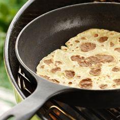 Hjemmelagde lomper - Norway's version of tortillas! Norway Food, Norwegian Food, Norwegian Recipes, Scandinavian Food, Korn, Food Inspiration, Sweet Tooth, Favorite Recipes, Dessert