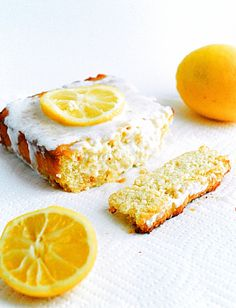 Low Carb Lemon Cake - Moist, delicious, and healthy low carb lemon cake.