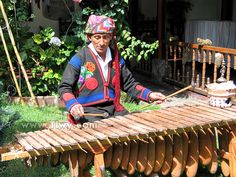 Marimba | Countries > Guatemala > «Banana curtain» of Guatemala > Marimba