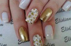 Unhas, unhas bonitas, unhas decoradas com dourado, unhas douradas, unhas . Cute Nail Art, Beautiful Nail Art, Gorgeous Nails, Cute Nails, Spring Nails, Summer Nails, Winter Nails, Toe Nail Designs, Nails Design