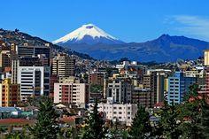 Vista desde Quito. Volcán Cotopaxi