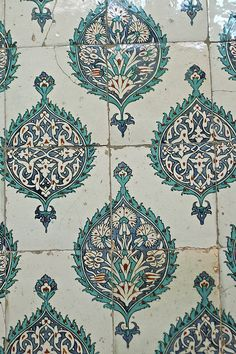Iznik tile decoration - The Harem, Topkapi Palace by michael_stahl, via Flickr