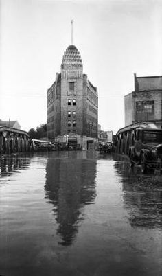 1929 - The Casino Club Building after a rain shower looking south on Presa toward the Casino Club W. You see the Presa Street Bridge at center. Texas History, Local History, Downtown San Antonio, Old Pictures, Historical Photos, Past, City, Building, Places