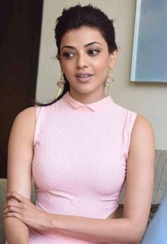 Kajal Agrawal hot Images and Photos of all time. South industry leading Actress Kajal Agrawal movies are so popular. She is a beautiful and leading Actress Beauty Full Girl, Cute Beauty, Most Beautiful Indian Actress, Beautiful Actresses, Tamil Actress, Bollywood Actress, Bollywood Fashion, Rakul Preet Singh Saree, Kajal Agarwal Saree