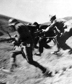robert capa photography | Robert Capa, a 20. század egyik leghíresebb háborús fotográfusa ...