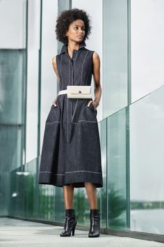 Akris Resort 2020 Fashion Show - Vogue Fashion 2020, Fashion News, Runway Fashion, Fashion Trends, Vogue Paris, Denim Fashion, Fashion Outfits, Estilo Denim, Mode Jeans