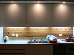 Casa Jufré | Ampliación + Remodelación.: Cocinas de estilo Moderno por Paula Mariasch arquitecta