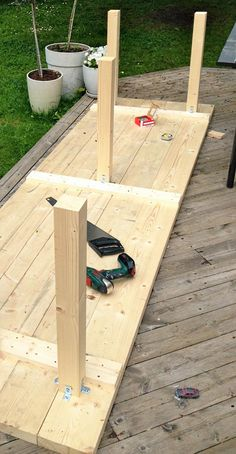 Diy Furniture Farmhouse How To Build – folding Diy Dining Table, Diy Farmhouse Table, Patio Table, Outdoor Dining, Outdoor Decor, Garden Furniture, Diy Furniture, Diy Wood Projects, Interior Design Living Room