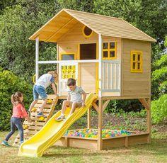 Kids Backyard Playground, Backyard For Kids, Kids House Garden, Play Houses, Cubby Houses, Diy Furniture Building, Outdoor Fun For Kids, Cool Tree Houses, Backyard Playhouse