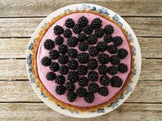 Mazarintærte med brombær Blackberry, Raspberry, Sweet Tarts, Food Cakes, No Bake Cake, Amazing Cakes, Cake Recipes, Food And Drink, Snacks
