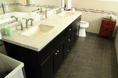 There are who provide service so that you can have a beautiful Renovation gives this particular area of the house a smooth makeover. It can be redoing your shower or tub or it can be just the and Bathroom Interior Design, Small Apartment Bathroom, Modern Bathroom Design, Glamorous Bathroom Decor, Bathroom Renovations, Glamorous Bathroom, Modern Bathroom Decor, Bathrooms Remodel, Bathroom Vanity Decor