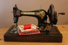 Flickriver: Most interesting photos from Vintage Sewing Machines pool