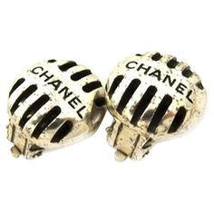 Pre-owned Chanel Microphone Earrings ($200) ❤ liked on Polyvore featuring jewelry, earrings, accessories, none, chanel jewellery, preowned jewelry, chanel earrings, chanel jewelry and pre owned jewelry