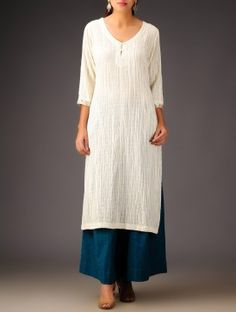 Ivory Button Embellished V-Neck Crinkle Kurta