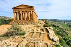 It is said that even for mainland Italians, the island of Sicily can be a foreign place. Who can fault them with places like Valle dei Templi, which give us a unique peek into the past?