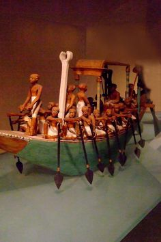 Funeral boat paddling Dynasty 12 early reign of Amenemhat I tomb of Meketre 1981-1975 BCE