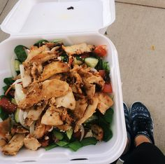 """Late lunch after classes today was this yummy chicken salad with spinach, tomatoes, carrots, cucumber, feta and tonsss of hummus 👌🏼😋 haven't been posting because tbh my food hasn't been aesthetically pleasing AT ALL lately. I'm getting back on my """"pretty food"""" game though! #onthetonedtrack"""