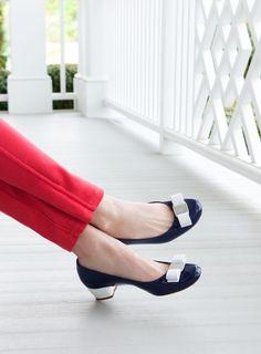 Wardrobe Updating: Black Kitten Heels (Salvatore Ferragamo L'Icona, photo by Claiborne Swanson Frank) Women's Shoes, Cute Shoes, Me Too Shoes, Shoe Boots, Dream Shoes, Beautiful Shoes, Low Heels, Salvatore Ferragamo, Fashion Shoes
