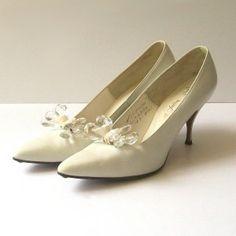 Google Image Result for http://www.orangeandblossom.com/blog/wp-content/uploads/2010/09/vintage-1950s-bridal-heels-shoes-300x300.jpg