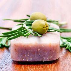 Seife herstellen - Seifen-Rezept: Olivenölseife selber machen