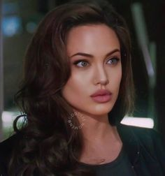 Discover recipes, home ideas, style inspiration and other ideas to try. Angelina Jolie Makeup, Angelina Joile, Angelina Jolie Pictures, Angelina Jolie Photos, Angelina Jolie Hairstyles, Brad Pitt, Beautiful Celebrities, Pretty People, Kate Middleton