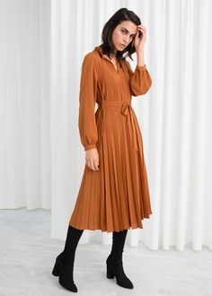 Model front image of Stories printed pleated midi dress in orange Winter Dresses For Work, Work Dresses For Women, Ladies Dresses, Pleated Midi Dress, Long Sleeve Midi Dress, Midi Dresses, Fashion Dresses, Oversized Sweater Outfit, Sweater Outfits