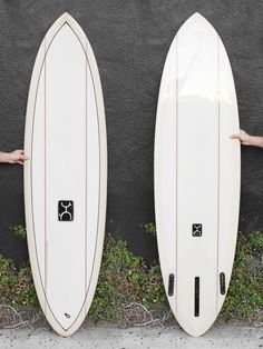 Shaped by the style master himself. As seen in our featured video, Rob has created a low entry rocker, inspired single fin coupled with a curvy fuller outline in the tail to allow quick direction Surfing Quotes, Surfboard Art, Magic Carpet, Surfs Up, Creepers, Surf Board, Outline, Hawaii, Salt