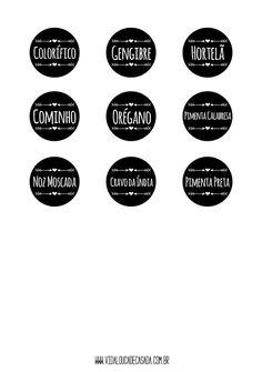 Porta temperos suspenso + etiqueta para baixar | Vida Louca de Casada | Blog sobre decoração, DIY, customização, dicas para casa e relacionamento Decoupage, Jar Storage, Chalkboard, Diy And Crafts, Life Hacks, Sweet Home, How To Make, Nova, Erika