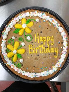 Giant Cookie Cake, Chocolate Chip Cookie Cake, Big Cookie, Cake Cookies, Cupcake Cakes, Giant Cookies, Cookie Pizza, Cupcakes, Cake Decorating Piping